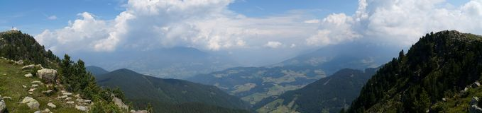 Alpe e montagne panoramiche idilliache meravigliose nelle dolomia Immagini Stock Libere da Diritti