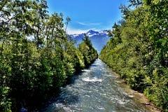 Alpe-fiume italiano Adige Immagine Stock