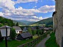 Alpe-prospettiva austriaca dal castello Mauterndorf Fotografie Stock