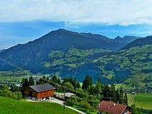 Alpe-vista austriaca della valle Zillertal dalla strada della montagna di Zillertaler Immagini Stock Libere da Diritti