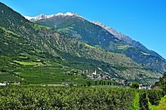 Alpe-vista italiana alla città Ciardes Fotografie Stock