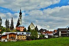 Alpe-vista svizzera sul villaggio Ftan Fotografie Stock Libere da Diritti