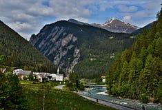 Alpe-viste svizzere della città Martina Immagine Stock Libera da Diritti