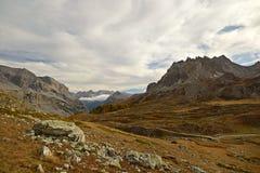 Alpejska panorama przy zmierzchem obrazy stock