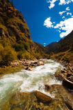 Alpejska Rzeczna himalajów G318 autostrada Tybet V zdjęcie royalty free