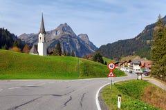 Alpejska wioska Schroecken w spadku Stan Vorarlberg, Austria, Europa zdjęcia stock