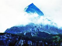 Alpejski szczyt w Glarus Alps pasmie górskim który patrzeje jak Matterhorn, fotografia royalty free