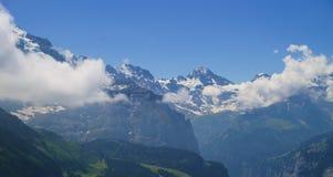 Alpejski szczytu landskape Lauterbrunnen, Jungfrau, Bernese średniogórze Alps, turystyka, podróż, wycieczkuje pojęcie obraz royalty free
