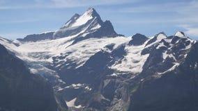 Alpejski szczytu landskape tło Jungfrau, Bernese średniogórze Alps, turystyka i przygoda wycieczkuje pojęcie, zdjęcie wideo