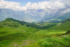 Alpejski szczytu landskape tło Jungfrau, Bernese średniogórze Alps, turystyka, podróż, wycieczkuje pojęcie obrazy stock