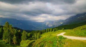 Alpejski szczytu landskape tło Jungfrau, Bernese średniogórze Alps, turystyka, podróż, wycieczkuje pojęcie fotografia royalty free