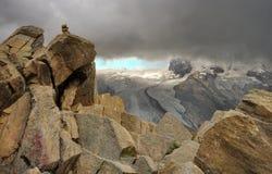 Alpen-Berge und Gorner-Gletscher im Hintergrund, Marksteinanziehungskraft in der Schweiz Stockbilder