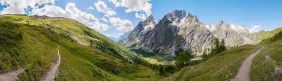 Alpen, Frankreich (durch Courmayeur) - Panorama Stockfotografie