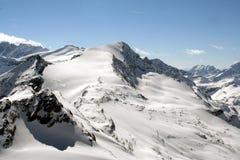 Alpen-Gebirgszug Lizenzfreie Stockfotos