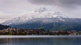 Alpen met het meer van Luzern Stock Fotografie