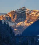 Alpen łuna blisko Chamonix de Mont Blanc Zdjęcia Royalty Free