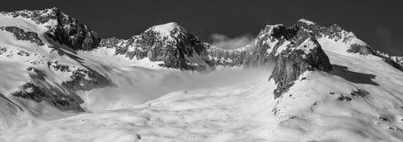 Alpen in zwart-wit royalty-vrije stock afbeeldingen