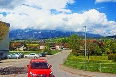 Alpengebirgstal-Stadtstraße Österreich Lizenzfreie Stockfotografie
