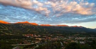 Alpenglühen auf den Spitzen von Breckenridge, Colorado lizenzfreies stockbild