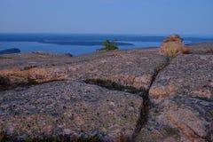 Alpenglow al tramonto fa le rocce del granito ed i crepacci rosa o Fotografie Stock Libere da Diritti