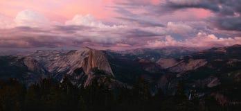 Alpenglow dalla cupola della sentinella, Yosemite Immagini Stock Libere da Diritti
