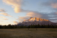 Alpenglow on mount rundle. Banff alberta Royalty Free Stock Images
