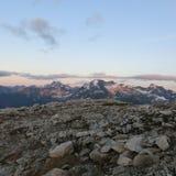Alpenglow på Mt Utmanare under sommaren Royaltyfri Bild