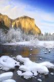 Alpenglow sul granito alza in valle del Yosemite Fotografie Stock Libere da Diritti