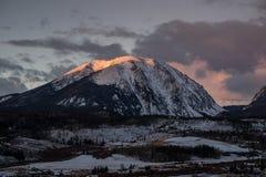 Alpenglow sulla montagna della Buffalo Fotografie Stock Libere da Diritti
