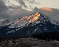 Alpenglow sulla montagna di Colorado Fotografie Stock Libere da Diritti