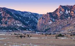 Alpenglow sulle colline pedemontana del Colorado Montagne Rocciose Fotografie Stock Libere da Diritti
