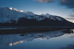 Alpenglow sulle montagne dell'Alaska Fotografia Stock Libera da Diritti