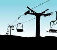 alpesÖsterrike stolar som den höga elevatorn mayrhofen berg, skidar snowcovered Royaltyfria Foton