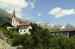 alpes奥地利山牧场地提洛尔 免版税库存照片