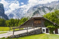 alpes alps tła niemcy wschodnie hirschau domu konigssee jeziorny półwysepa obrazek brać tam Zdjęcia Royalty Free
