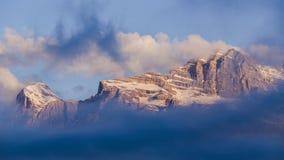 Alpes bergDolomites italy Arkivbilder