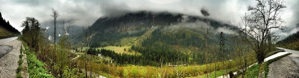 Alpes bergpanorama i den Bayern Tyskland Arkivbilder