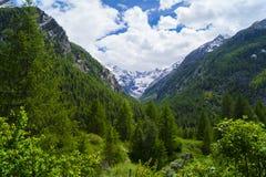 Alpes blu profondo Fotografie Stock Libere da Diritti