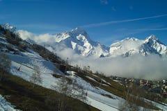 Alpes da montanha para o esqui imagens de stock royalty free