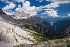 Alpes das dolomites em Italy Vista bonita das montanhas Fotos de Stock Royalty Free