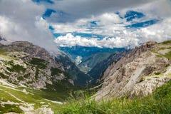 Alpes das dolomites em Italy Vista bonita das montanhas Fotografia de Stock Royalty Free