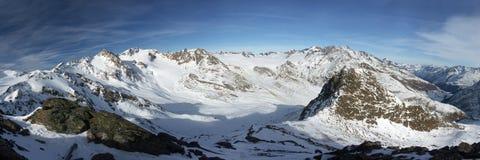 Alpes de l'hiver. Photos stock