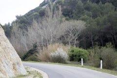 Alpes Haute, parco di Luberon fuori del villaggio di Lourmarin Fotografia Stock