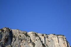 Alpes Haute, parco di Luberon fuori del villaggio di Lourmarin, Provenza Immagini Stock