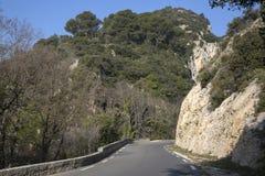 Alpes Haute, parco di Luberon fuori del villaggio di Lourmarin, Provenza Immagine Stock Libera da Diritti