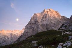Alpes julianos - por do sol imagem de stock