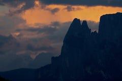 Alpes, sud le Tirol de coucher du soleil Images stock