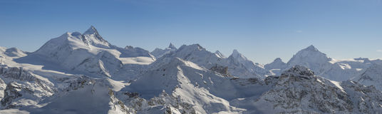 Alpes suisses panoramiques image stock
