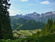 Alpes-vers le bas St Martin Photo libre de droits