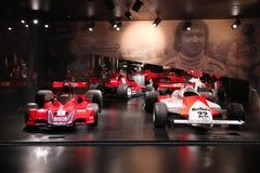 Alpha Romeo Brabham BT45B und Art 179F-Testauto auf Anzeige am historischen Museum Alfa Romeo stockbilder
